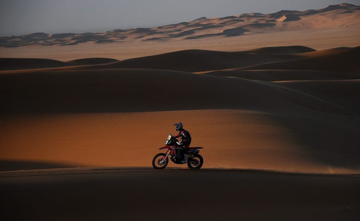 Chile's motobike rider Jose Ignacio Florimo Cornejo drives his Honda as he competes during the Stage 7 of the Dakar 2020 between Riyadh and Wadi Al Dawasir, Saudi Arabia, on January 12, 2020. AFP