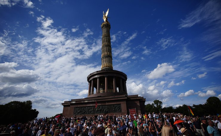 Demonstrators gather during a protest against coronavirus pandemic regulations in front of the Victory Column in Berlin, Germany, 29 August 2020. The initiative 'Querdenken 711' and an alliance of right wing groups have called to demonstrate against coronavirus regulations like face mask wearing, in Berlin. Meanwhile forbidden, Berlin administrative court and higher administrative court allowed the demonstration to take place under certain requirements. Police announced to stop the demonstration when conditions were not met. EPA