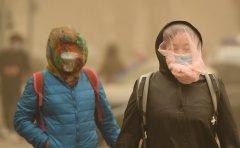 Worst dust storm chokes Beijing