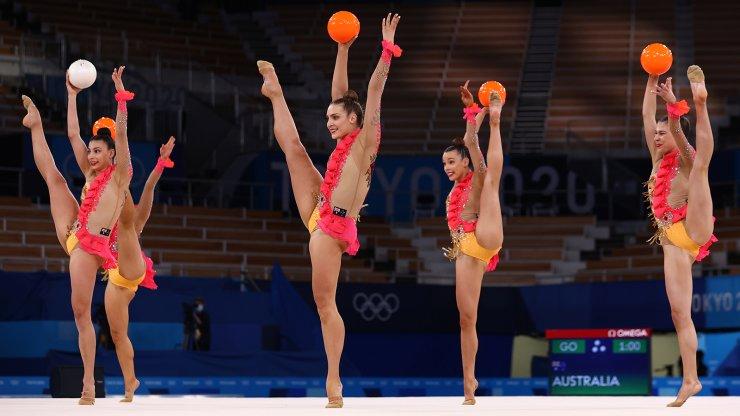 Tokyo 2020 Olympics - Gymnastics - Rhythmic - Group All-Around - Qualification - Ariake Gymnastics Centre, Tokyo, Japan - August 7, 2021. Team Australia in action with balls. REUTERS