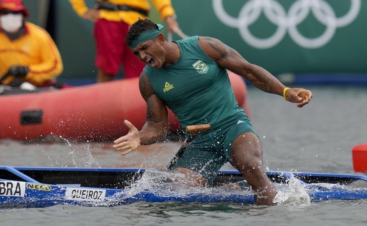 Isaquias Queiroz dos Santos, of Brazil, reacts after winning the men's canoe single 1000m final A at the 2020 Summer Olympics, Saturday, Aug. 7, 2021, in Tokyo, Japan. AP