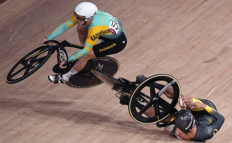 Katy Marchant of Team Britain competes during the track cycling women's sprint race at the 2020 Summer Olympics, Saturday, Aug. 7, 2021, in Izu, Japan. AP