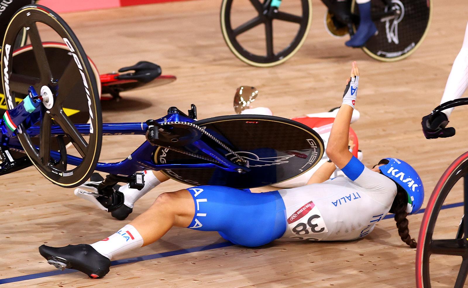 Tokyo 2020 Olympics - Cycling - Track - Women's Omnium - Scratch Race - Izu Velodrome, Shizuoka, Japan - August 8, 2021. Elisa Balsamo of Italy reacts after a crash. REUTERS
