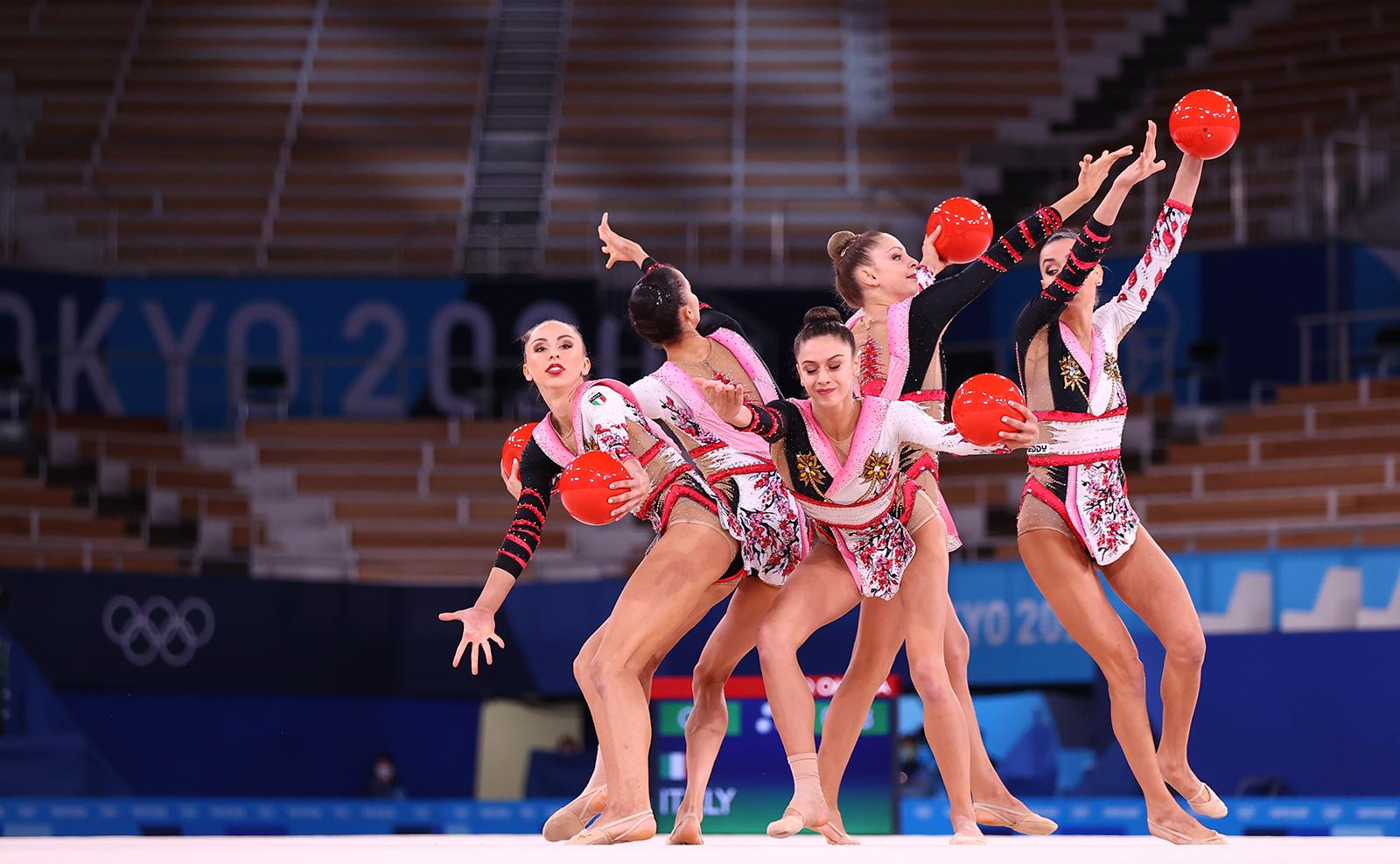 Tokyo 2020 Olympics - Gymnastics - Rhythmic - Group All-Around - Final - Rotation 1 - Ariake Gymnastics Centre, Tokyo, Japan - August 8, 2021. Team Italy in action with balls. REUTERS