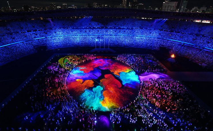 Tokyo 2020 Olympics - The Tokyo 2020 Olympics Closing Ceremony - Olympic Stadium, Tokyo, Japan - August 8, 2021.  Stadium is lighted up during the closing ceremony. REUTERS