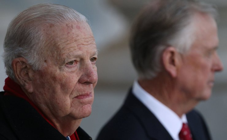 Former U.S. Secretary of State James Baker and former U.S. Vice President Dan Quayle await the arrival of the procession carrying former U.S. President George H. W. Bush at the U.S. Capitol in Washington, D.C. December 3, 2018. Reuters