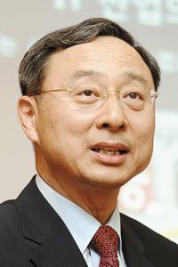 POSCO Chairman Kwon Oh-joonKT Chairman Hwang Chang-gyu