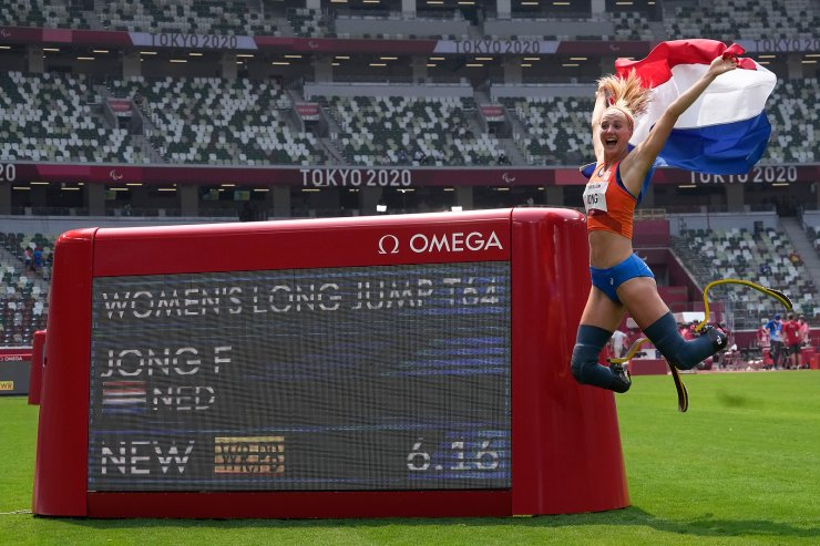 Fleur Jong of the Netherlands celebrates after winning the women's T62 long jump final during the 2020 Paralympics at the National Stadium in Tokyo, Saturday, Aug. 28, 2021. AP