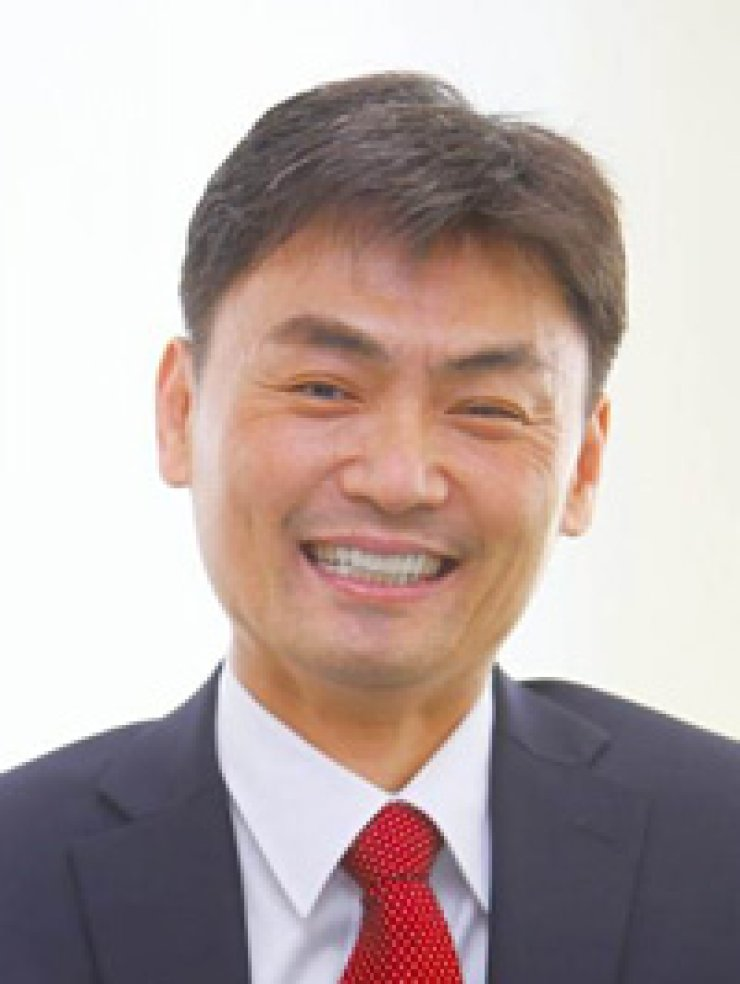 Park Seong-jin,  the minister-designate for the new Ministry of SMEs and Startups