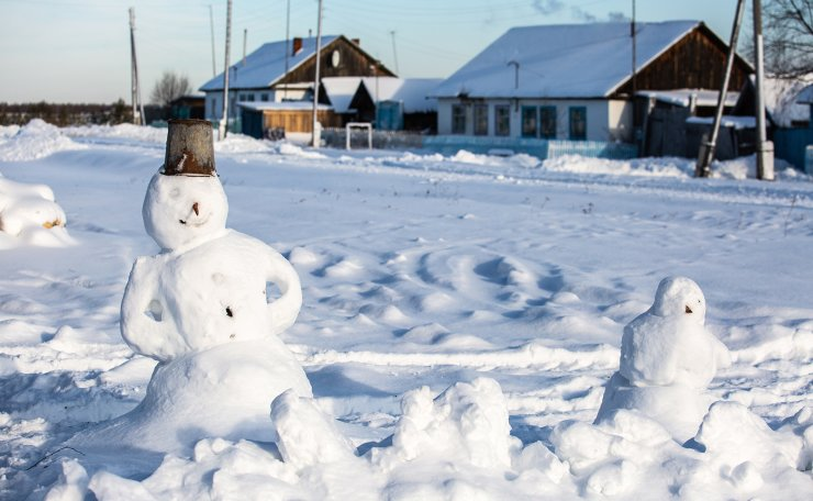 A snowman in the village of Keizes. TASS