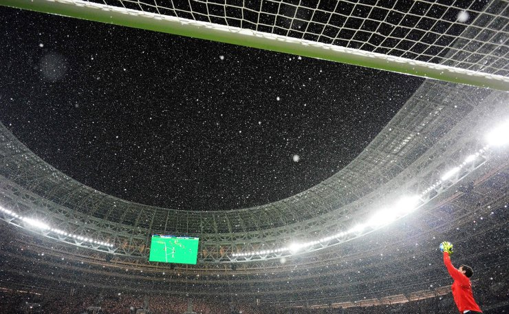Viktoria Plzen's Czech goalkeeper Ales Hruska warms up prior to the UEFA Champions League group G football match between PFC CSKA Moscow and FC Viktoria Plzen at the Luzhniki stadium as it snows in Moscow on November 27, 2018. AFP