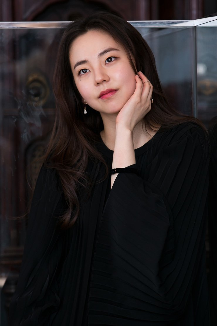 Idol singer-turned-actress Ahn Sohee poses at a cafe in Samcheongdong, Seoul, last Thursday, before the interview with the Korea Times. / Courtesy of Warner Brothers Korea