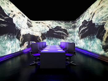 The dining room at Ultraviolet in Shanghai is reset Dec. 2 during a 20 minute intermission ready for the second part of its guests' meal. / Korea Times photo by Yun Suh-young