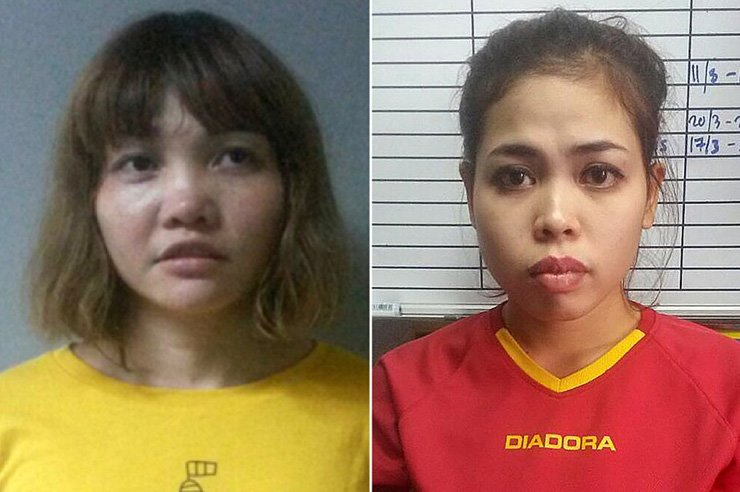 Doan Thi Huong, 28, of Vietnam, left, and Siti Aisyah, 25, of Indonesia. The two women were charged with murder in a Kuala Lumpur court on Wednesday in connection with the assassination of Kim Jong-nam, the estranged half-brother of the North Korean leader, kim Jong-un. / Yonhap