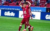 Three Hwangs set for big European seasons
