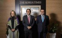 Colombian delegation visits The Korea Times