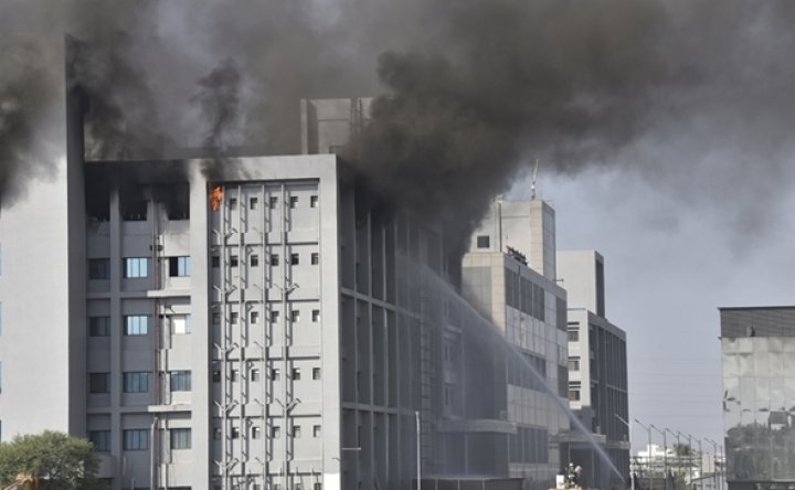 Fire hits building at Indian producer of COVID-19 vaccines