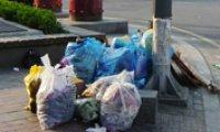 Trash blights Seoul's streets