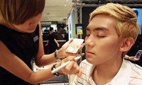 More men wear makeup