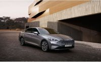 Kia K8 overwhelms Hyundai Grandeur in full-size sedan market