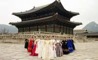 [INTERVIEW] Kim Young-jin imagines modern princesses in hanbok