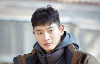 Jeong Jin-woon takes 1st movie lead role since military discharge