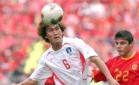 Ex-World Cup hero Yoo Sang-chul dies at 49