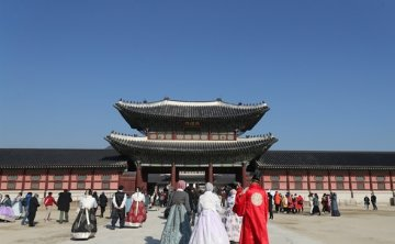 Seoul asked to improve facilities, traffic system for tourists