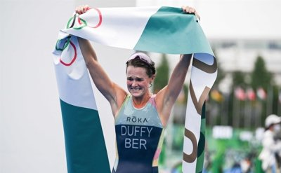 Duffy wins women's triathlon for Bermuda's first-ever Olympic gold