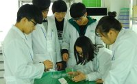 Bayer researchers offer modern agriculture education to local students