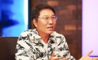 SM Entertainment founder gives luxury apartment to journalist