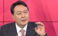 'King' mark on opposition presidential contender's palm raises eyebrows