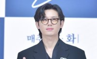 Actor Lee Ji-hoon accused of spreading false information about former agency