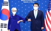 Senior diplomats of Korea, U.S. hold phone talks after reactivation of inter-Korean hotline
