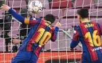 Pele congratulates Messi for equalling goal record