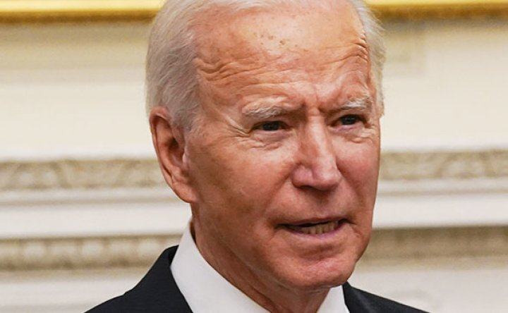 Biden orders masks, travel clampdown in new war on COVID-19