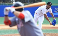 Korean baseball authority approves Shinsegae Group's entry following takeover of SK Wyverns