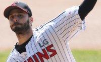 Ex-MLB pitcher Suarez shrugs off high expectations ahead of 1st KBO season