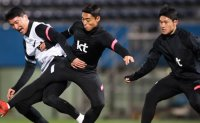 Japanese football coach infected with COVID-19 two days before friendly against Korea