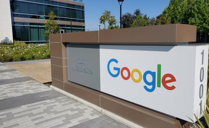 Google urged to pay news copyright fees
