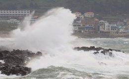 Jeju braces for Typhoon Chanthu