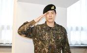 Actor Hong Jong-hyun returns to civilian life