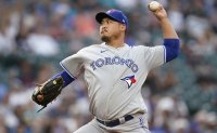 Blue Jays' Ryu Hyun-jin shuts down Tigers, tied for American League lead in wins