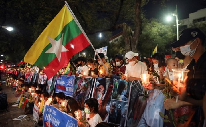 Gov't to run chartered flight Saturday to bring home Koreans in Myanmar