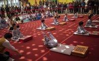 Children sample life of monk ahead of Buddha's Birthday [PHOTOS]