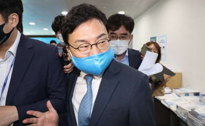 Eastar Jet founder departs DPK amid scandal