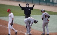 Korean baseball umpires to be demoted to minor league over inconsistent performance