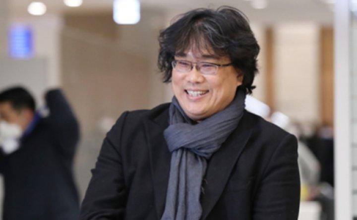 'Parasite' director Bong Joon-ho gets hero's welcome [PHOTOS]