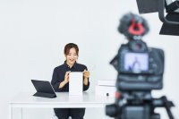 1 in 4 office workers are YouTubers on the side: survey