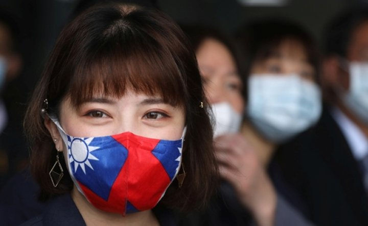 Taiwan offers masks and medical aid to foreign countries, angering Beijing